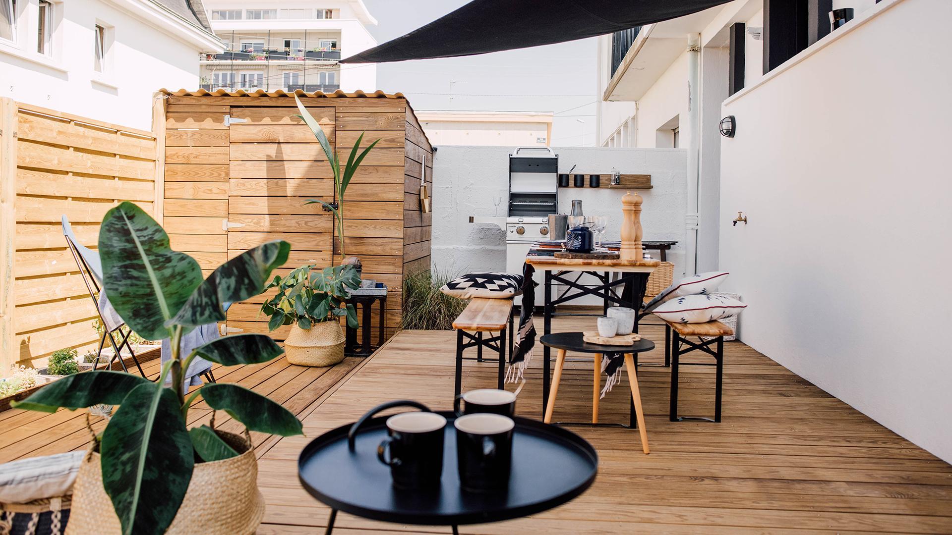Nettoyer et traiter une terrasse en bois : nos 5 conseils