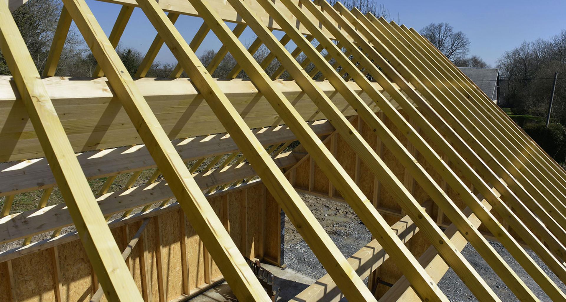 Ossature bois avec lamell coll et poutre en i silverwood for Realisation plancher bois etage